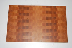 "<b>Maple end grain</b><br />2"" x 18"" x 28"""